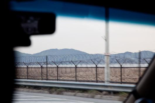 ヘイリー芸術村へ北朝鮮.jpg
